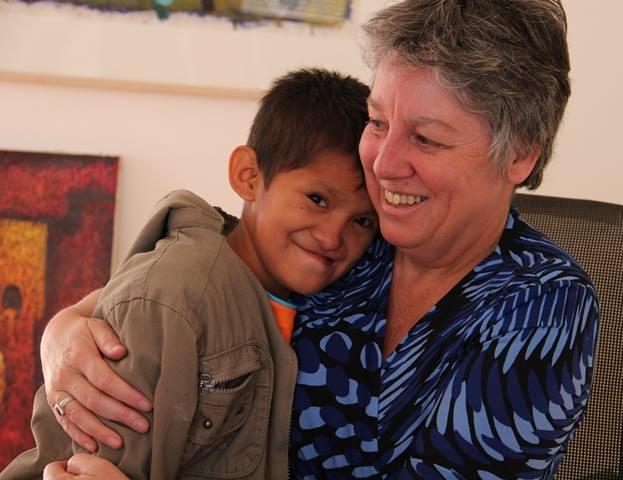 El Pueblo 5.7.2015 Conozcan la historia de Tony Molleapaza y la holandesa Marjan van Mourik